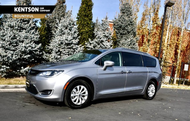 Chrysler Pacifica Van >> Pre Owned 2019 Chrysler Pacifica Touring L Front Wheel Drive Minivan Van